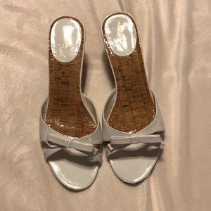 Madeline Stuart white heeled sandals, size 9.